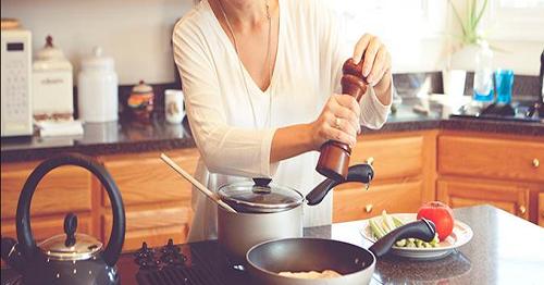 Resultado de imagem para vaga para cozinheira